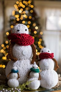 Brown Sheep Blog: Gifts to Knit and Crochet for the Holidays, Snowman Family