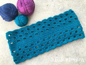 Stratosphere yarn review and free crochet pattern from 5 little monsters